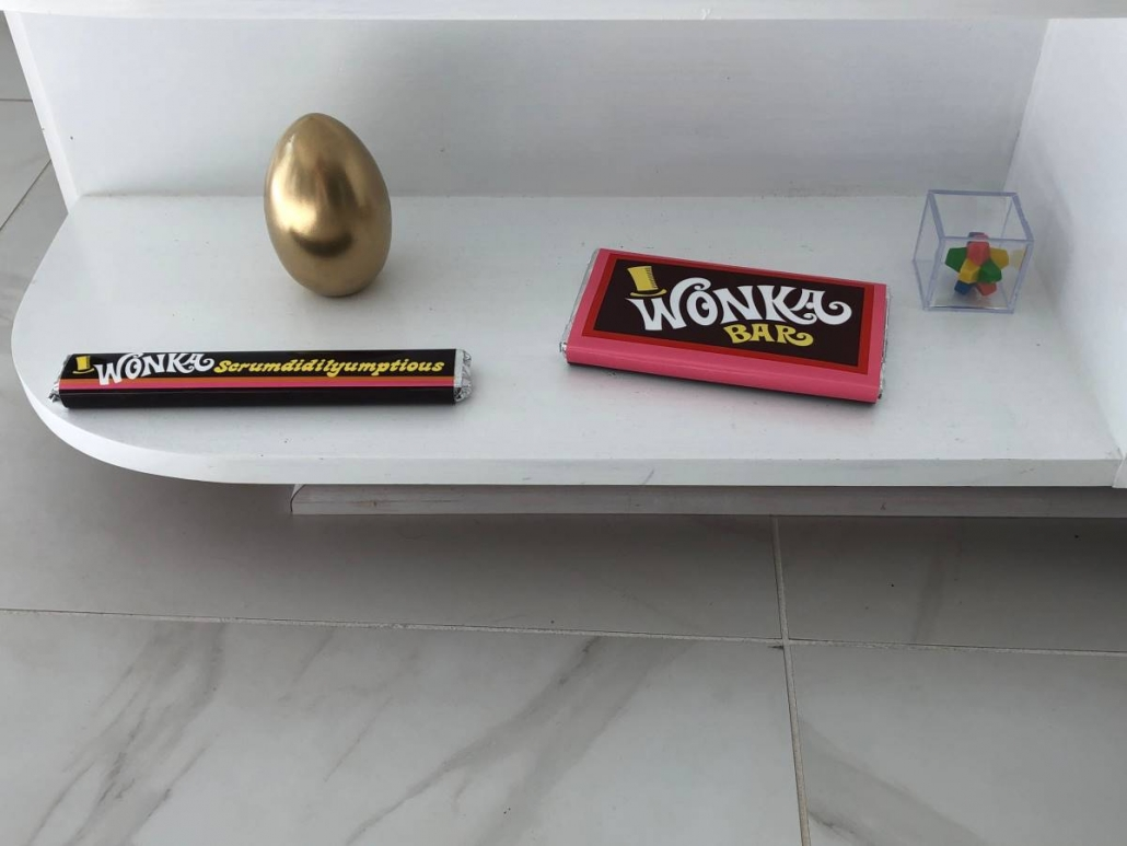Willy Wonka Bar And Everlasting Gobstopper And Golden Egg and Scrumdidlyumptious Bar